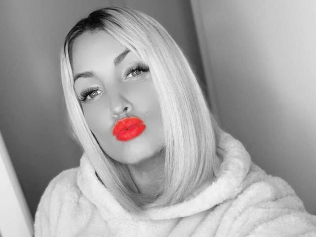 Aurélie Dotremont : Folle amoureuse, elle fait une magnifique déclaration à son chéri