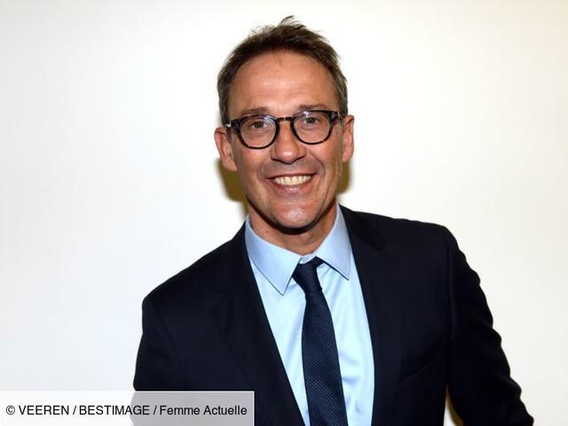 """EXCLU - Julien Courbet, ses rares confidences sur le rôle essentiel de sa femme : """"Elle me mâche tout le travail"""""""