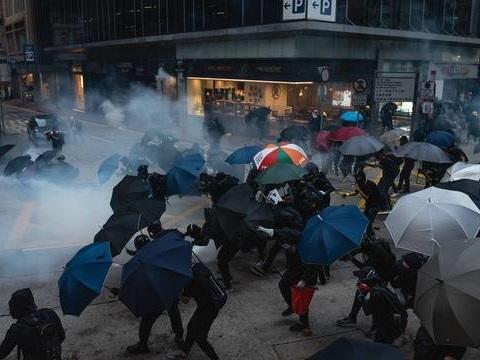 Hong Kong: La commission de surveillance de la police n'a pas les moyens d'enquêter