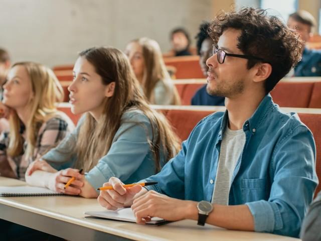 Cours à distance : Les universités devront anticiper la prochaine rentrée