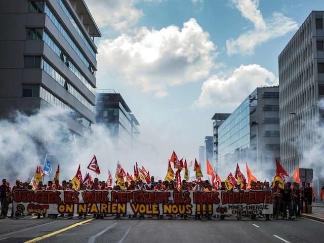 Le front syndical s'étoffe avant la grève du 5décembre dans les transports