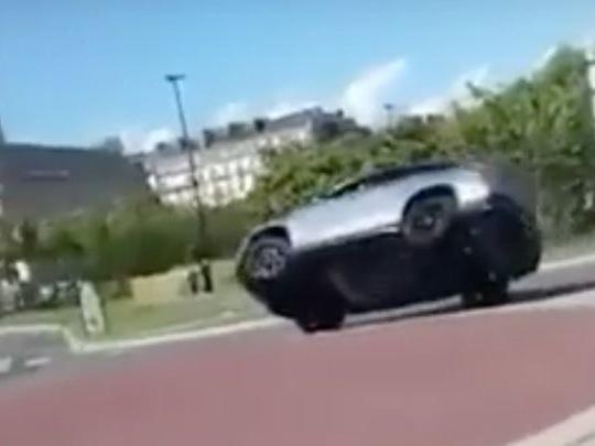Il renverse une Mercedes GLE 63 AMG Coupé lors d'un mariage