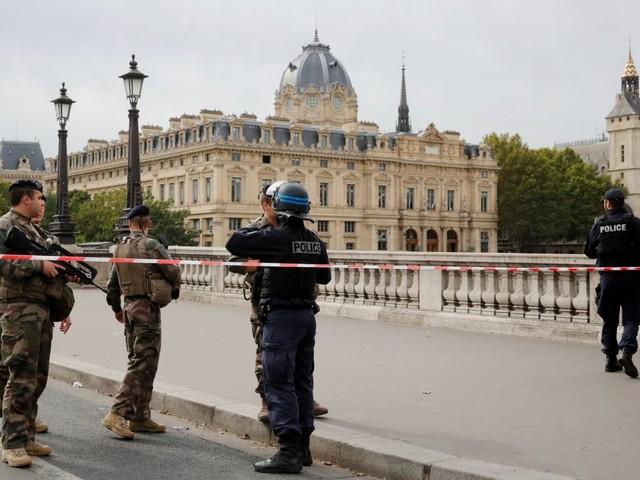 Cinq arrestations après l'attaque à la préfecture de police de Paris