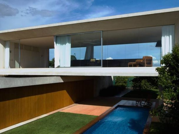 Magnificent Osler House in Brazilia