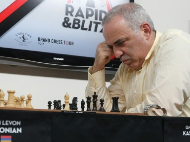 Kasparovmania dans les rues de Saint-Louis