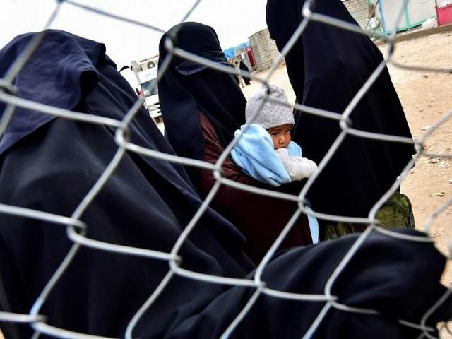 Fuite de 800 proches de jihadistes en Syrie: la crainte d'une résurgence de l'EI