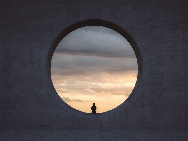 Tous, seuls : réflexions autour de la solitudes