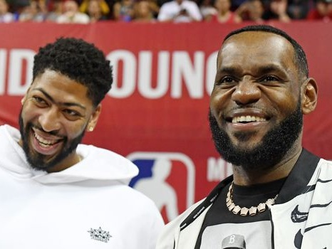 Basket: Nike empêche LeBron James de donner son N.23 à Anthony Davis