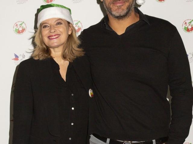 Valérie Trierweiler et son chéri Romain assortis pour Noël près de Saïda Jawad