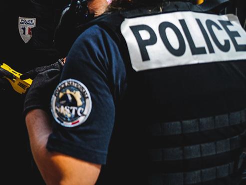 """Un des plus gros butins depuis le """"casse du siècle"""": un fourgon blindé braqué à Lyon, 9 millions d'euros envolés"""