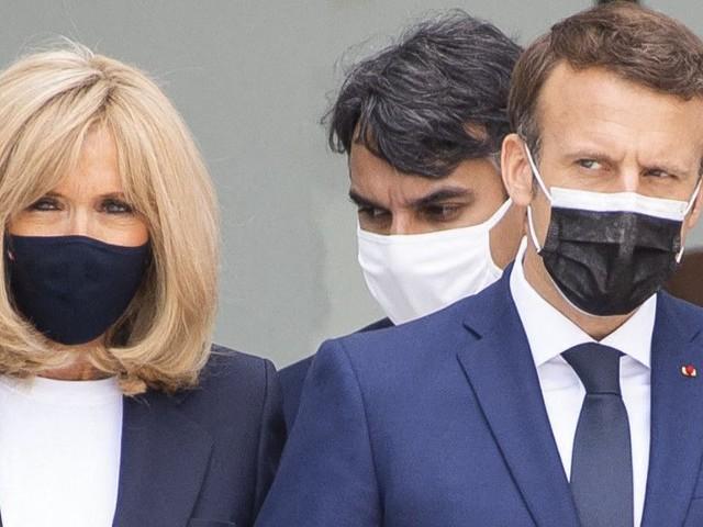 Incroyable mais vrai ! Emmanuel et Brigitte Macron reçoivent Justin Bieber et sa compagne à l'Elysée... la photo ICONIQUE !