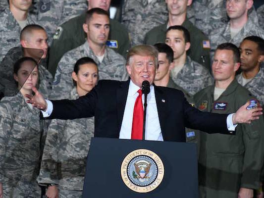 Trump veut augmenter les dépenses militaires de 10% en 2019