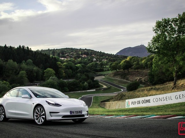 Essai : Tesla Model 3 Performance : Tueuse de M3 ?