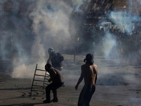 Crise au Chili: nouveaux affrontements violents à Santiago