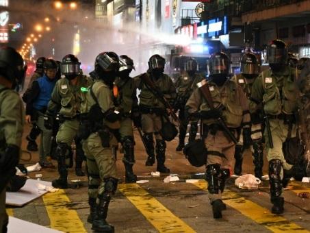 Hong Kong: la commission de surveillance de la police n'a pas les moyens d'enquêter (experts)