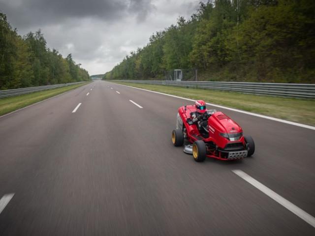 Un nouveau record Guiness pour la tondeuse Honda !