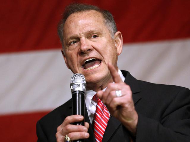 Roy Moore, accusé d'agressions sexuelles, va-t-il gagner l'élection dans l'Alabama? Les États-Unis retiennent leur souffle