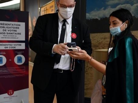 Pass sanitaire dans les centres commerciaux: toujours plus flou