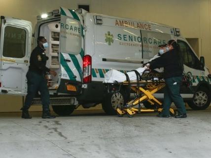 Médecin hospitalier à New York, il se prépare au pire