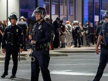 Manifestations antiracistes: Los Angeles réduit le budget de sa police