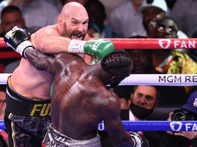 EN IMAGES. Boxe : du show, du suspense... Le combat de légende entre Tyson Fury et Deontay Wilder