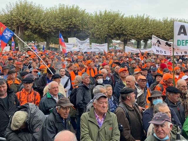 DIRECT. Manifestation des chasseurs : entre 10 000 et 15 000 participants dans les rues de Mont-de-Marsan