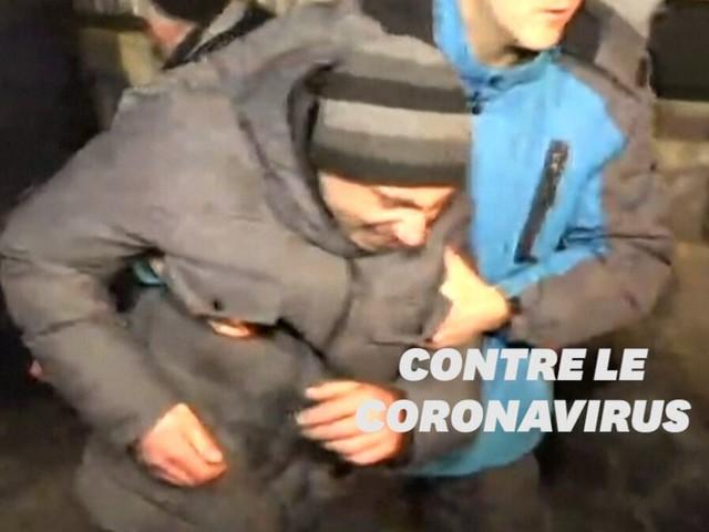 Coronavirus: un village en Ukraine se révolte pour ne pas accueillir des personnes évacuées de Chine