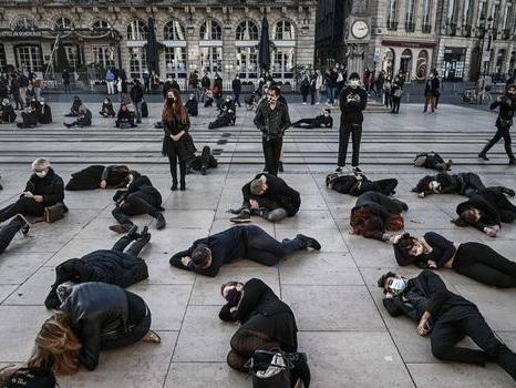 Manifestations de commerçants et indépendants dans tout le pays à la veille des annonces de Macron