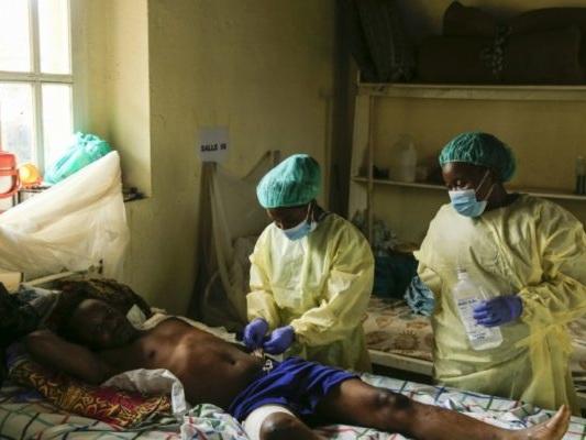 «Ils m'ont pourchassée en me découpant»: en RDC, des rescapés des massacres témoignent
