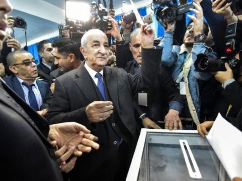 Algérie: Abdelmadjid Tebboune, ex-Premier ministre de Bouteflika, élu président (officiel)