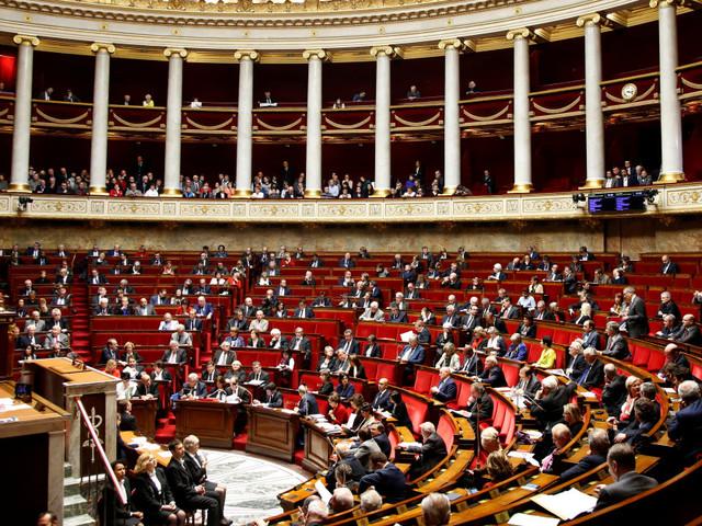 Assemblée nationale: à défaut de logements, certains députés campent dans leur bureau (et c'est interdit)