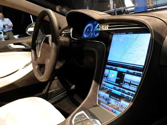 Etats-Unis: Tesla prié de rappeler 158.000 voitures pour un défaut lié à la sécurité