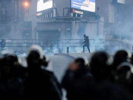 Contestation au Liban - Heurts entre la police et des jeunes opposés à la contestation