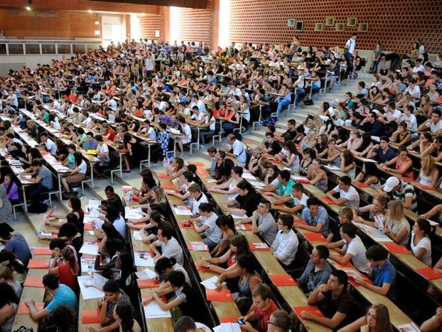 La tension s'accroît à l'entrée de l'université française