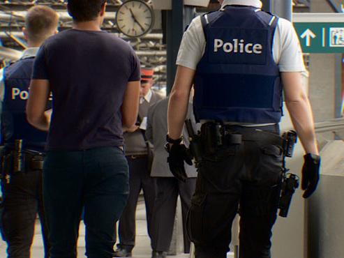"""""""Les touristes viennent ici dévastés"""": à la gare du Midi à Bruxelles, la police renforce les contrôles pour tenter d'endiguer un fléau"""