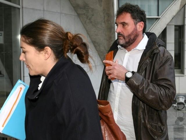 Soupçonné de 24 empoisonnements, l'anesthésiste de Besançon reste libre