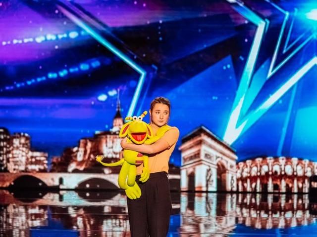 Qui est Le Cas Pucine, la ventriloque qui a séduit La France a un incroyable talent