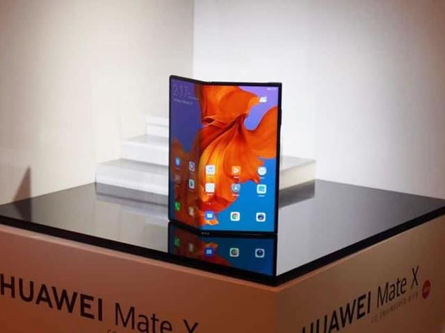 Huawei Mate X : lancement le 15 novembre à 2400 $, c'est officiel