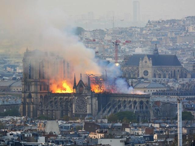 Attaque de la mosquée de Bayonne : comment la thèse (erronée) de l'incendie criminel de Notre-Dame s'est propagée