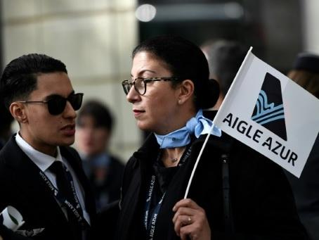 Aigle Azur: 14 offres de reprise mais avenir encore flou pour les salariés