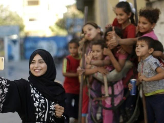 Deux vedettes locales d'Instagram montrent un autre visage de Gaza