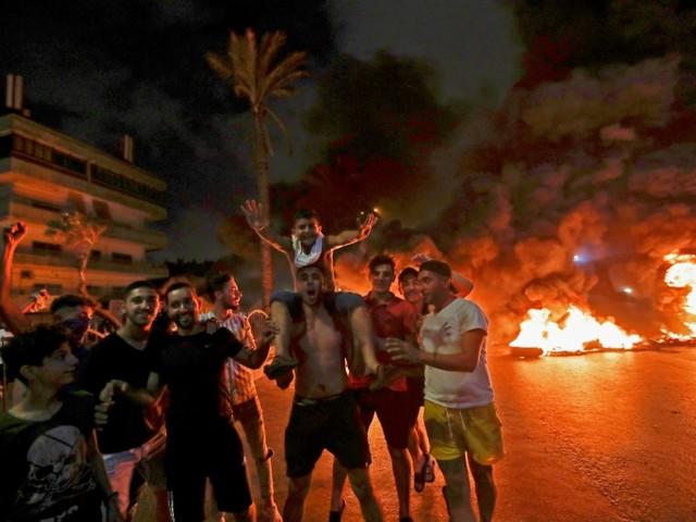 Taxes et crise économique: manifestations contre le pouvoir au Liban