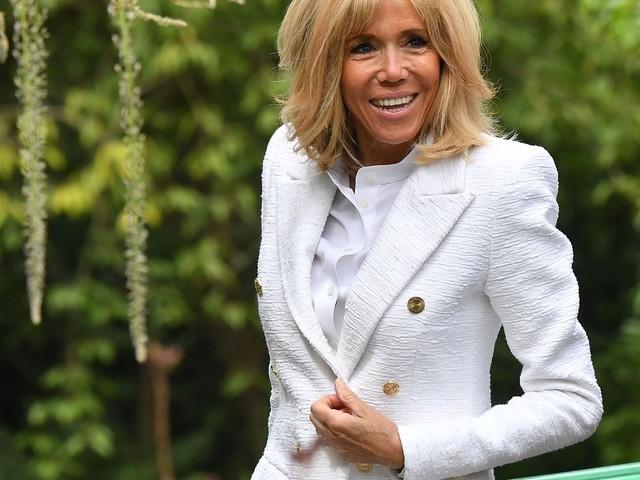Brigitte Macron : voici le vêtement dont elle ne se sépare jamais