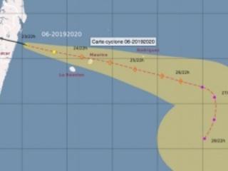 Alerte orange : le système au plus près de La Réunion ce vendredi soir