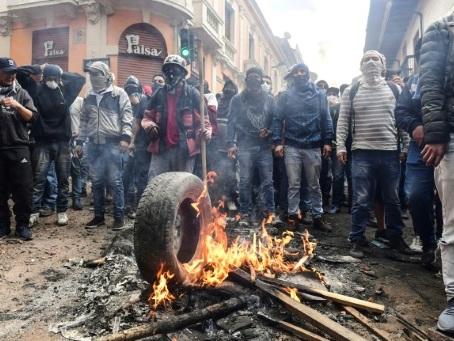 Equateur: Moreno mise sur le dialogue avec les indigènes en colère