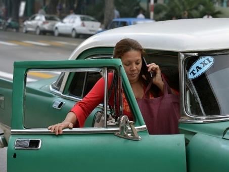 Le casse-tête des transports à Cuba, faute de taxis collectifs