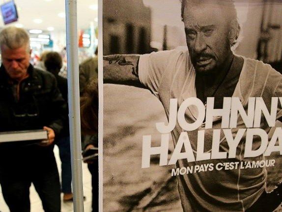 Ventes hors normes pour l'album posthume de Johnny Hallyday avec 300.000 exemplaires le premier jour