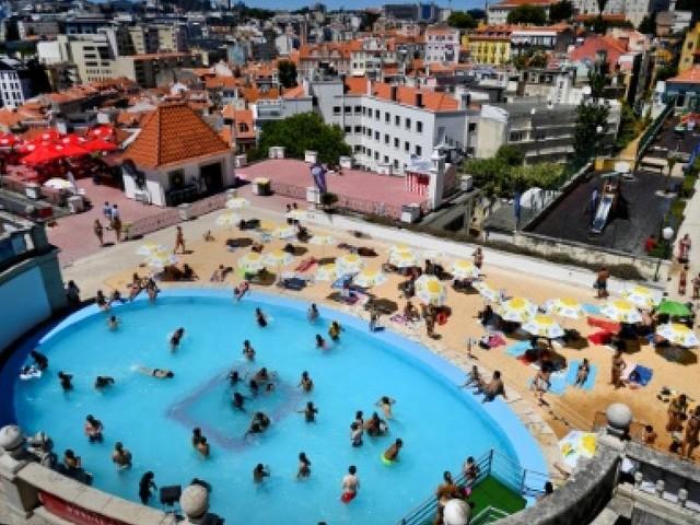 Yoga et cinéma sur les toits, Lisbonne s'ouvre à de nouveaux horizons