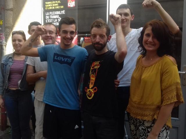Villefranche-de-Rouergue. Des salariés de McDonald's se mettent en grève en Aveyron après le licenciement d'un des leurs