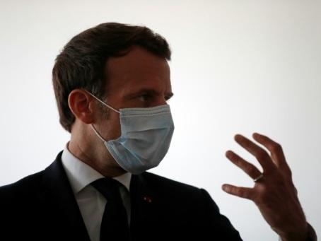 Coronavirus: Macron rend une visite surprise au professeur controversé Raoult